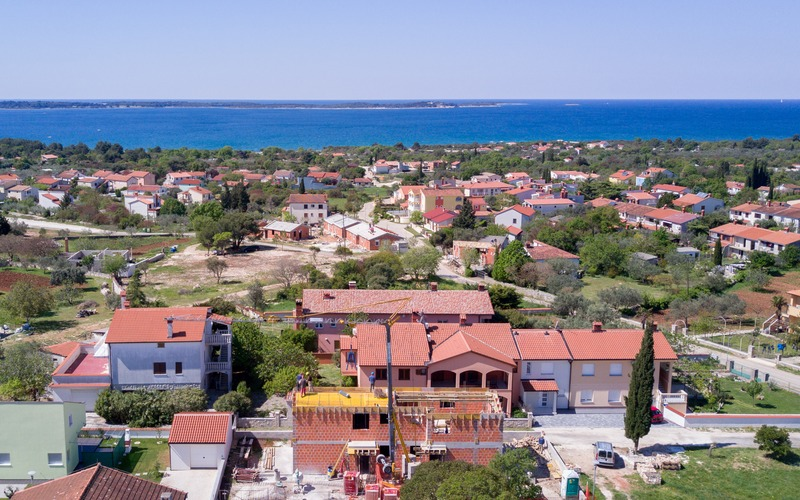 New house 84.5 m²* with 169 sqm garden 700 m from sea near Fažana