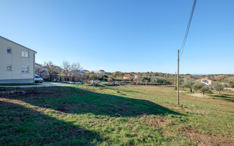 Building plot of 1046 m2 with sea view in Štinjan, not far from Fazana, Istria