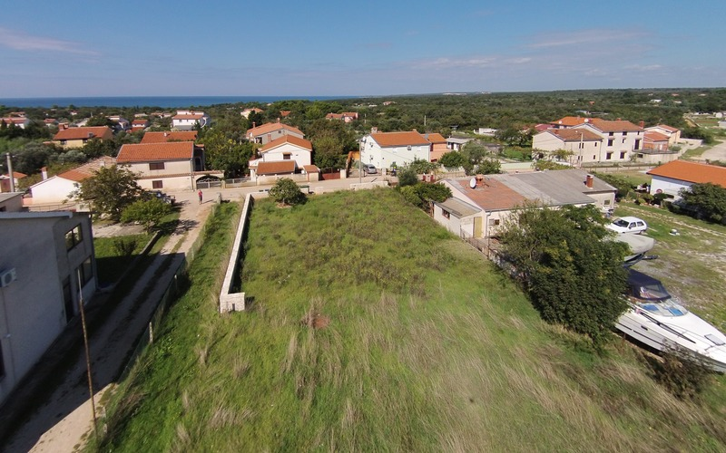 Building land with building permit for a family house, 1 km to the sea - Peroj, Fažana