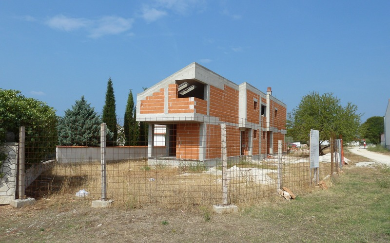 Building new house for Family Šćukanec from Slovena