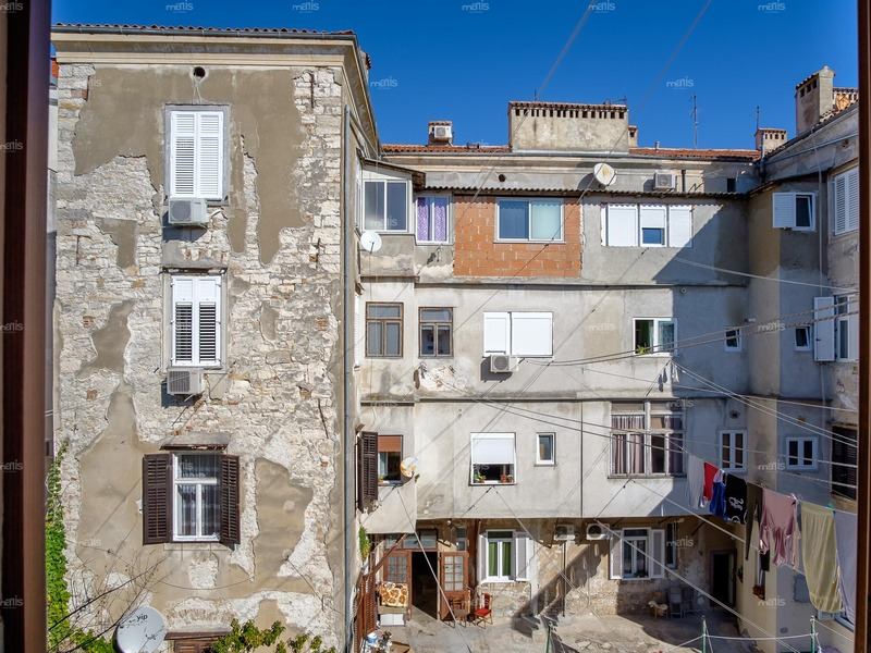 One-bedroom apartment in the center of Pula is for sale