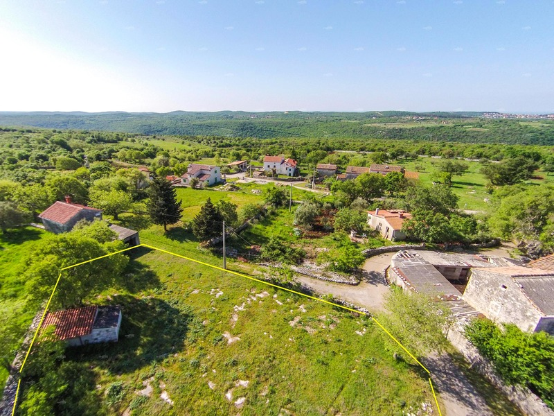 Unique location on top of the hill building plot, Croatia; Istra, Pula