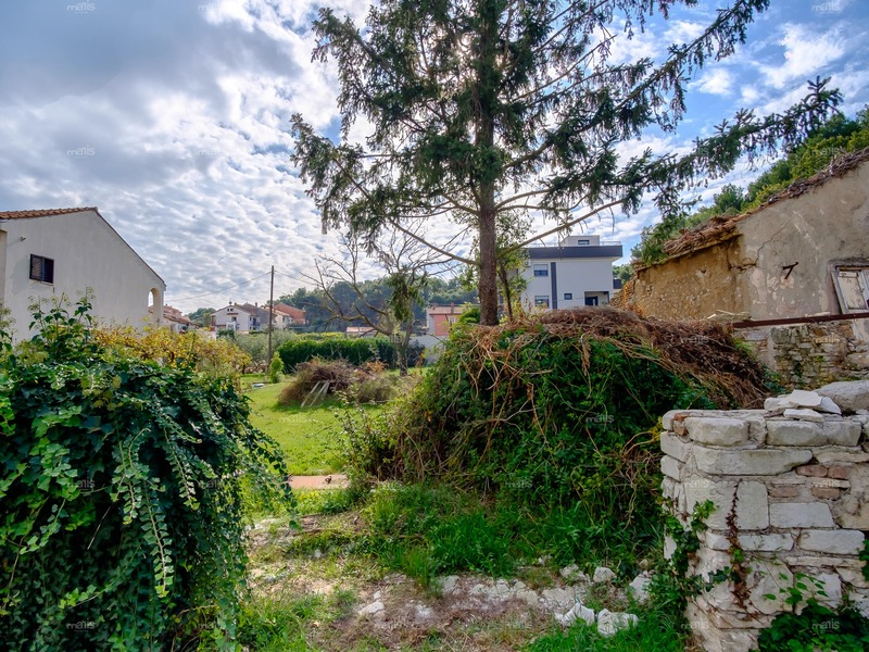 Building land for sale in near the center of Pula