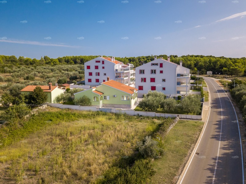 Single story house with an apartment in Peroj, Fažana are on sale