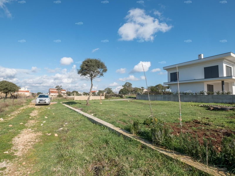 Building land with a building permit for a villa is for sale near Medulin, Banjole