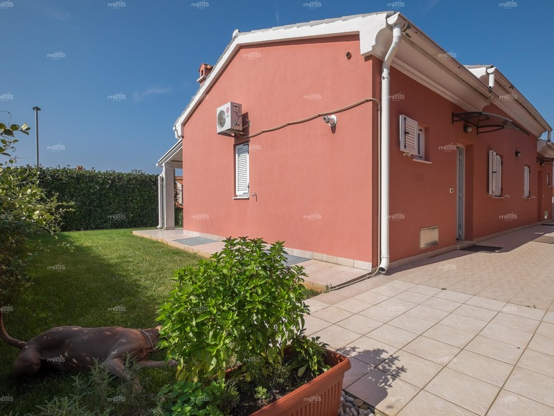 65 sqm house near the sea and Medulin is for sale