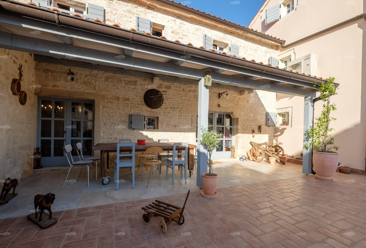 Designly Renovated Stone House With Swimming Pool Near