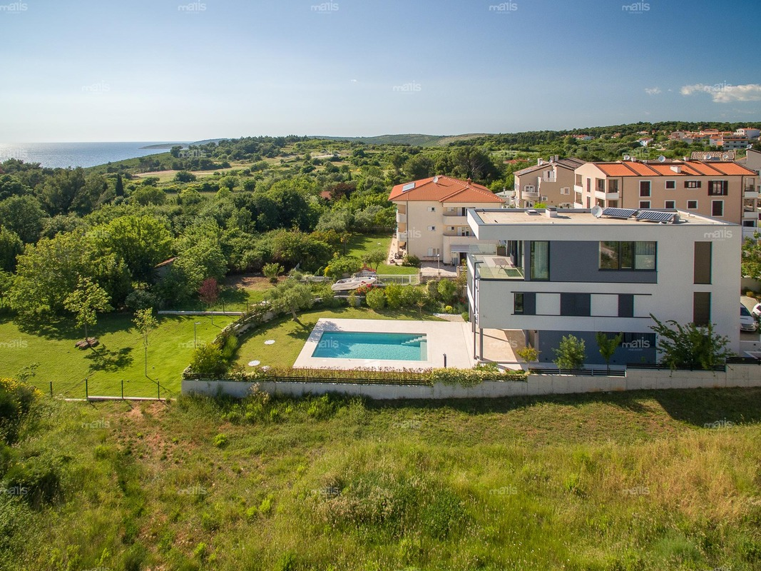 Moderne luxusvilla mit pool  Exclusive, moderne Villa mit Pool Premantura, Istrien | Maris ...