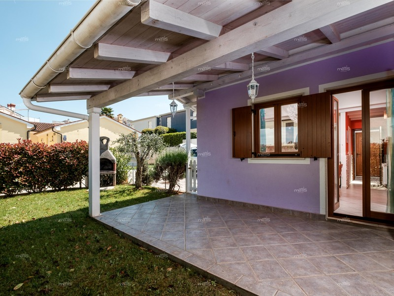 House for sale 76 m² two bedrooms and  garden near the sea, Medulin - Banjole
